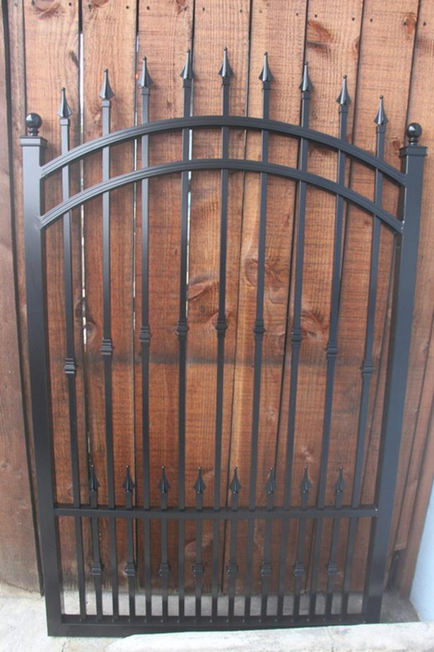 In Stock  Gates 10ft 12ft 14ft16ft and 18ft  all Aluminum never rust