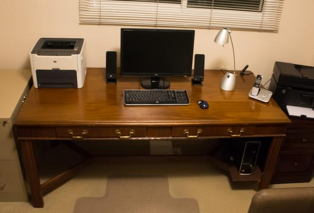 High Quality Executive Office/Boardroom Desk with 2 Drawers