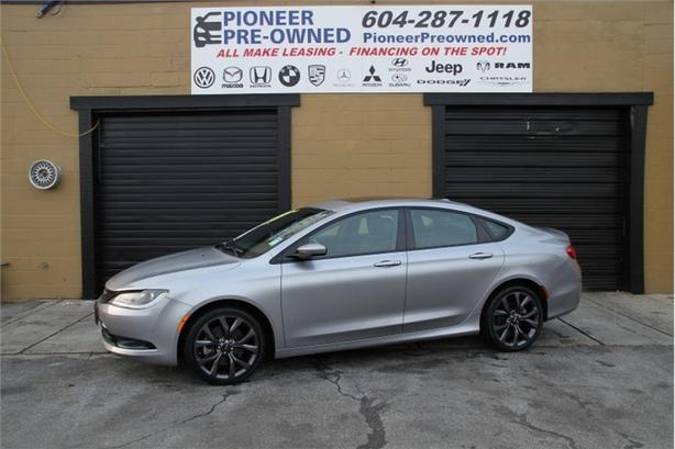 2015 Chrysler 200 S  FWD, PANORAMIC ROOF, 8.4 INFOTAINMENT, 22957K