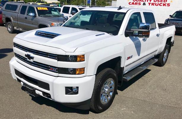 2018 Z71 Silverado 3500HD Duramax Crew Cab Needs to Find New Roads!!!