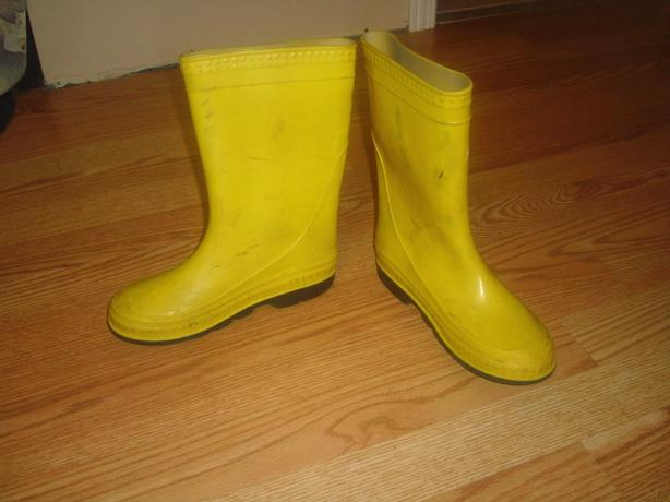 Yellow Rain Boots Size 2 Child - $5