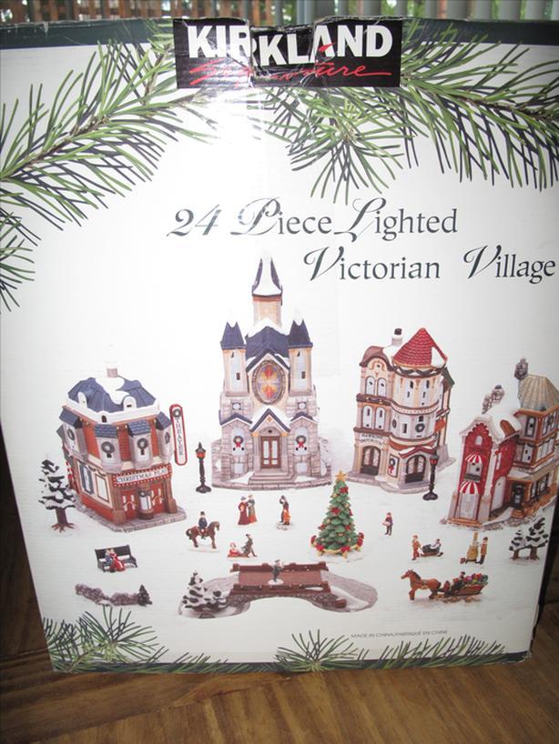 Victorian Christmas Village, Lighted, 24 Pce South Nanaimo, Nanaimo
