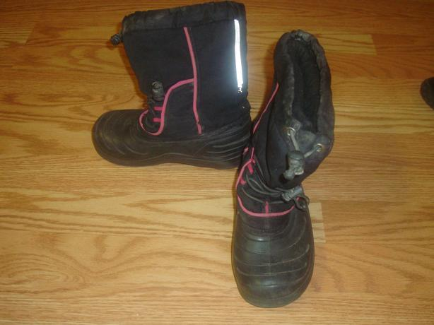 Thinsulate Black Winter Boots Size 13 Child - $4