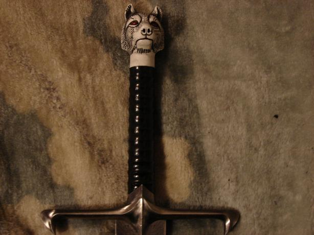 Longclaw, Jon Snow's Game of thrones collectible sword