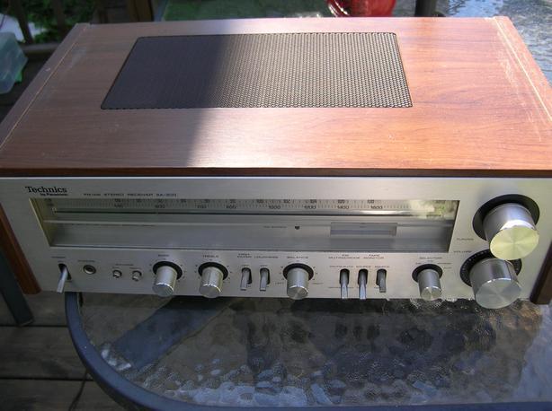 Vintage Technics SA 300 by Panasonic AM/FM Stereo Receiver