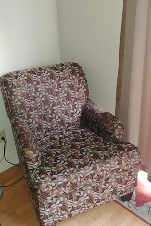 Nice sturdy comfortable arm chair