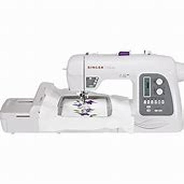 SINGER Futura XL-550 Computerized Sewing and Embroidery Machine