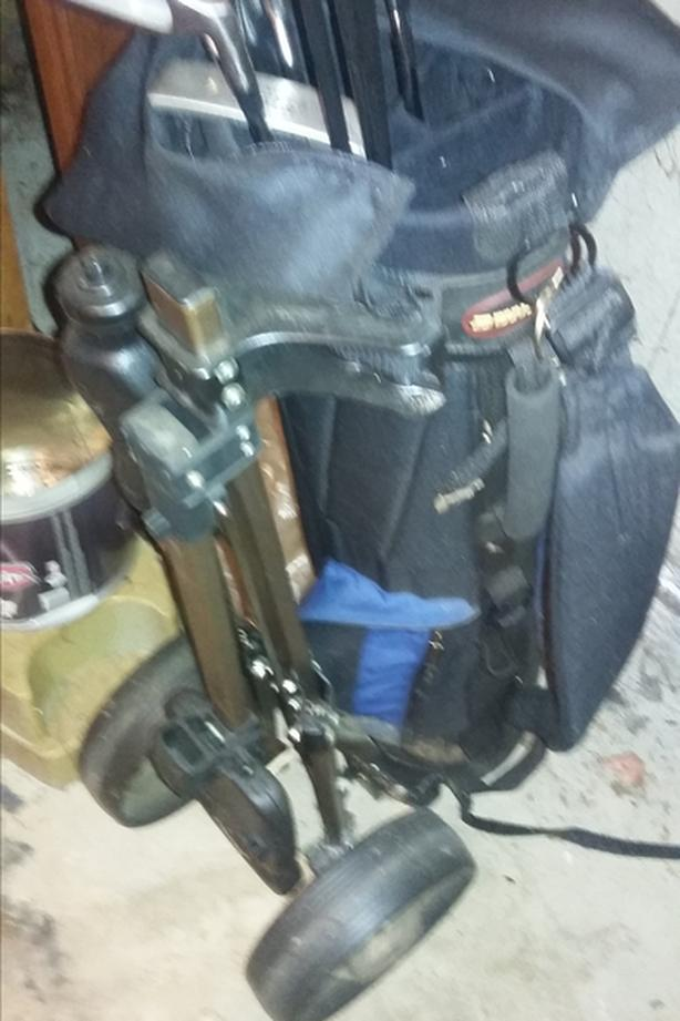 golfbag and clubs