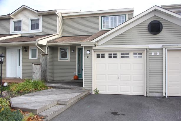 Wonderful 3 Bdm/1.5 Bth Townhome, Yard, FnshBsmt, Kanata, Jan 1