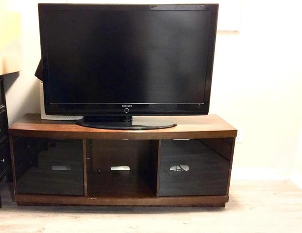 "46"" Samsung TV and Wooden Stand"