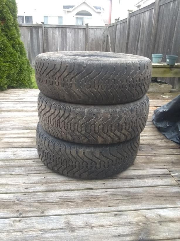 215/65R16 Goodyear winter tires