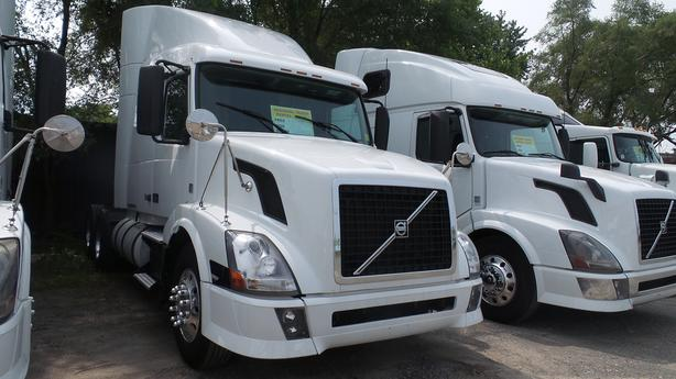 2012 Volvo VNL64T 630 SLEEPER  Free all Safeties/Certified or $3,000 Discount