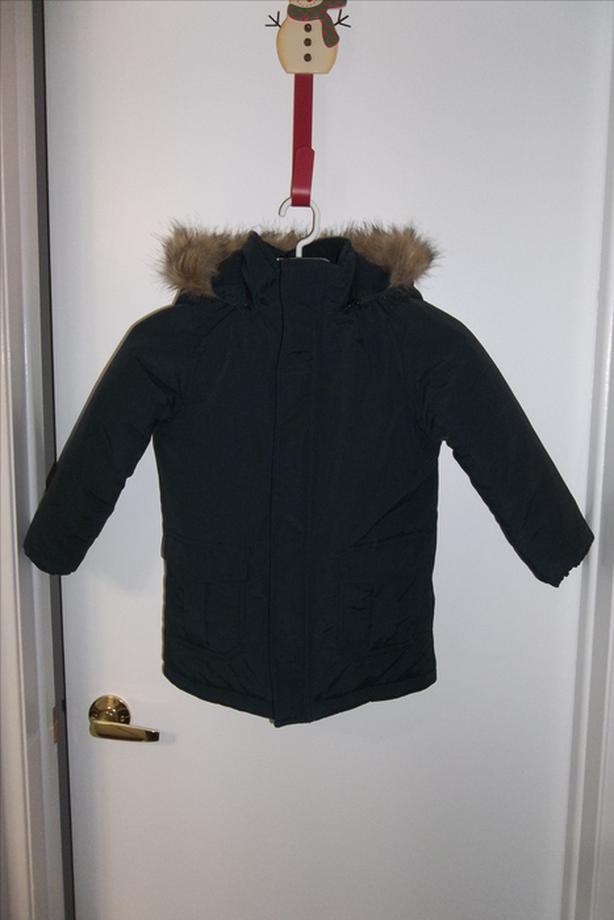 In mint condition Joe fresh parka (Steel grey) size 5