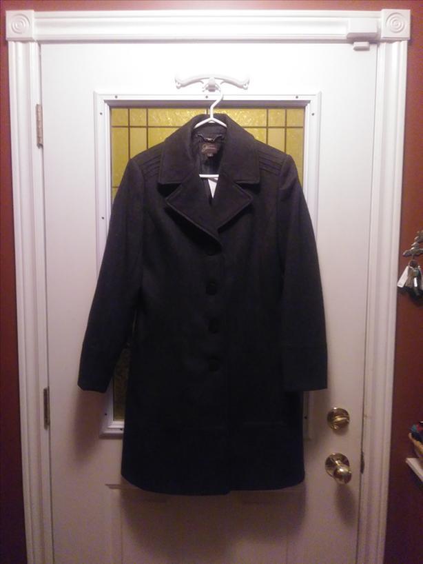 Women's wool blend coat (size 10)