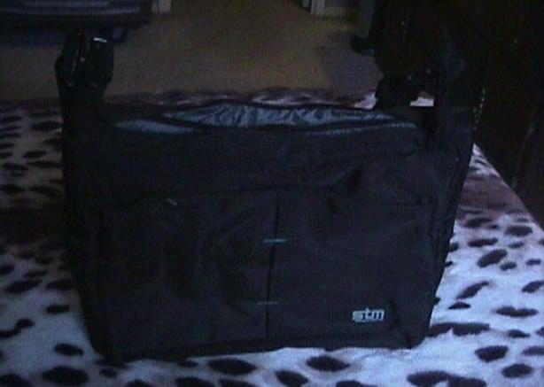 INSULATED PADDED LAPTOP BAG