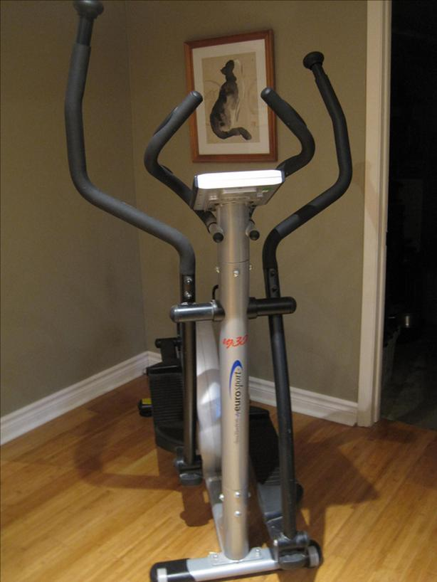 Elliptical -VG Infiniti Fitness Crosstrainer - perfect condition