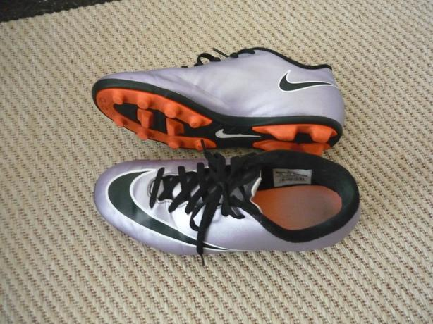 Nike Mercurial Youth Soccer Cleats (Size 5Y)