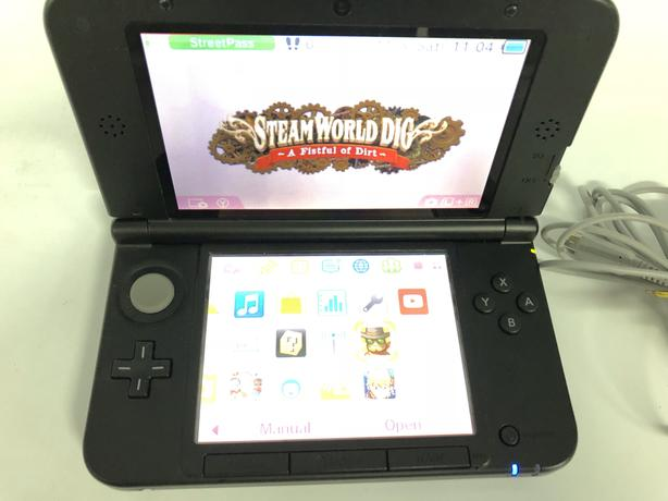 Nintendo 3DS XL w charger - Ready to play! VIP PAWNBROKERS!