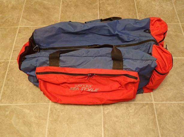 Wenoka Dive Bag