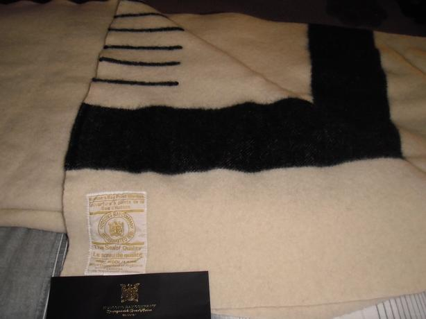 100 Wool Blanket Queen Size.Log In Needed 275 Beautiful Queen Size Hudson S Bay 6 Point 100 Wool Blanket