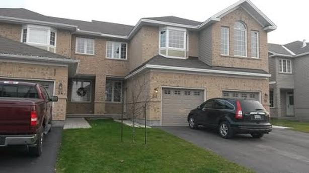 Four Bedroom Townhouse in Arnprior For Rent