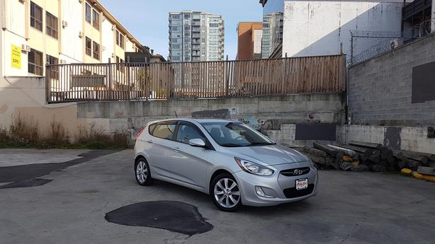 * 2012 Hyundai Accent 5 Door Hatchback - Financing Available!