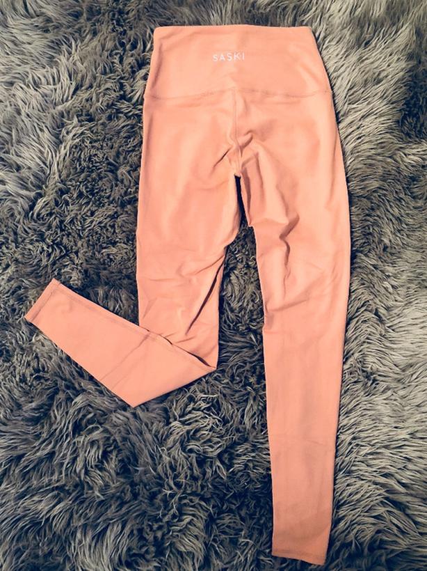 31cc47eb94e40 Saski dusty pink high wasted leggings size small Esquimalt   View ...