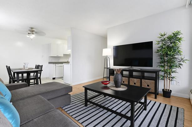 2BD Calgary Rentals Downtown! SW Near C-Train! With Den & Gym!