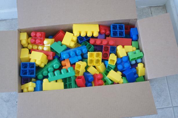 Box of MegaBloks Mega Bloks