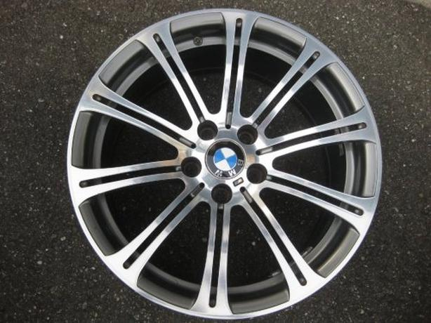"""Genuine Factory OEM 19x9.5"""" BMW M3 forged wheel E90 E92 excellent Cond"""