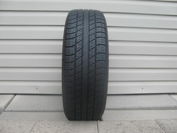 ONE (1) UNIROYAL TIGER PAW TOURING TIRE /195/65/15/ - $20