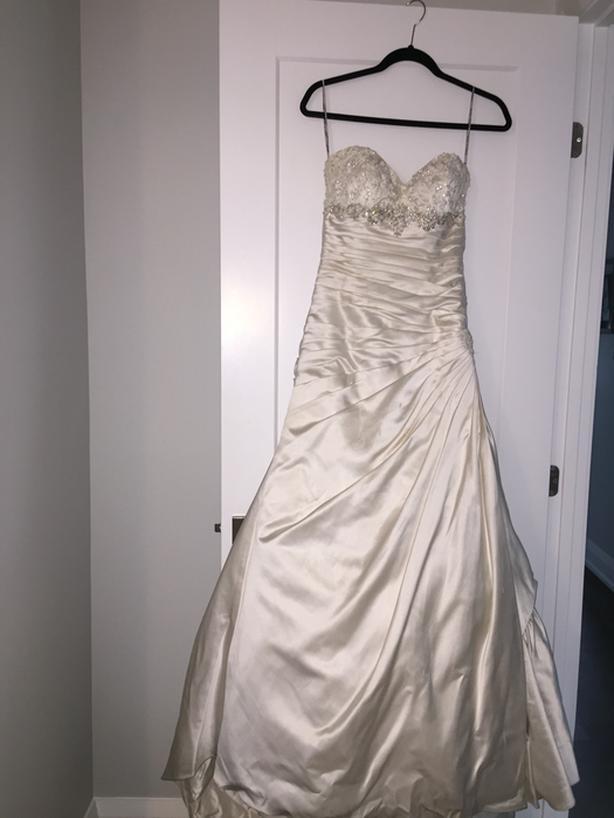 "Wedding dress – Maggie Sottero ""Jennifer"""