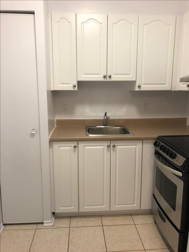 1 Bedroom Apartment Available Close to Downtown Gatineau!