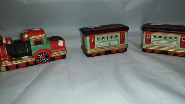 Dickens Collectable Porcelain Train Set