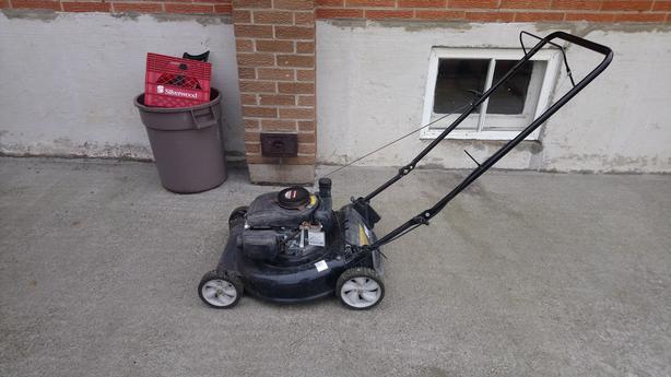 Yard machines lawnmower