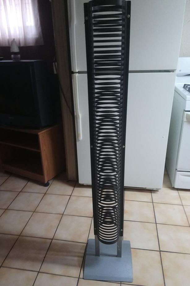 60 CD stand