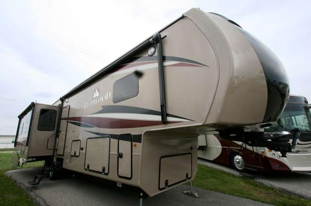 2015 REDWOOD RV REDWOOD 38RL