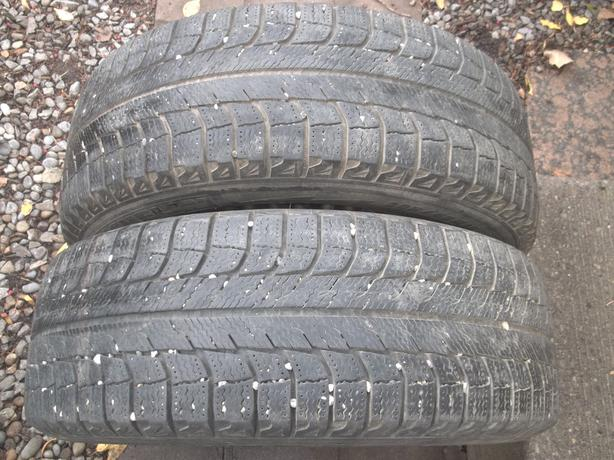 2 Winter Michelin 205/65/15 tires on 5x114 rims,balanced