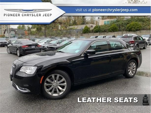 2017 Chrysler 300 Touring  -Leather -Nav -Sunroof