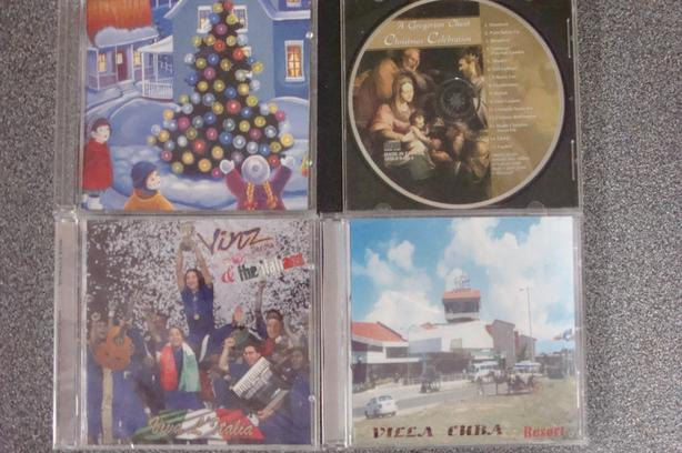 CHRISTMAS & Foreign Language CDs (total of 4 CDs)