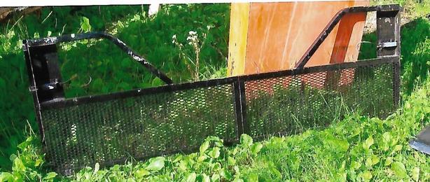 mesh tail gate