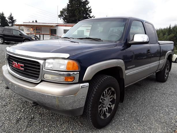 2002 GMC Sierra, loaded clean unit selling saturday online and onsite!