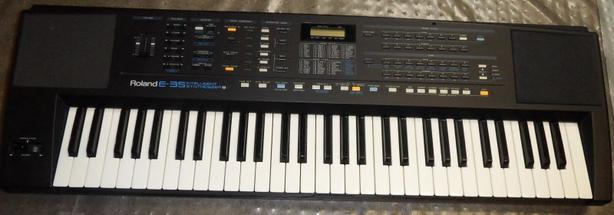 Roland E-35 Intelligent Synthesizer Keyboard