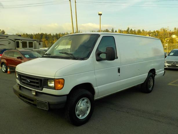 2007 Ford Econoline E-250 Extended Cargo Van with Bulkhead Divider and Rear Shel