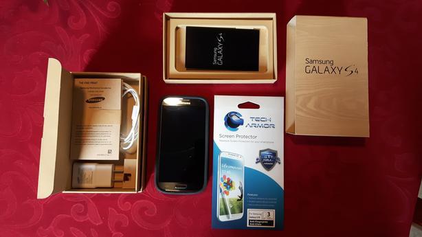 Samsung Galaxy S4 Unlocked - Mint condition