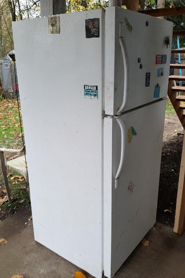FREE: working fridge