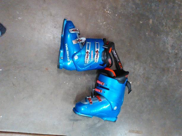 Dalbello ski boots size 8-8.5 mens