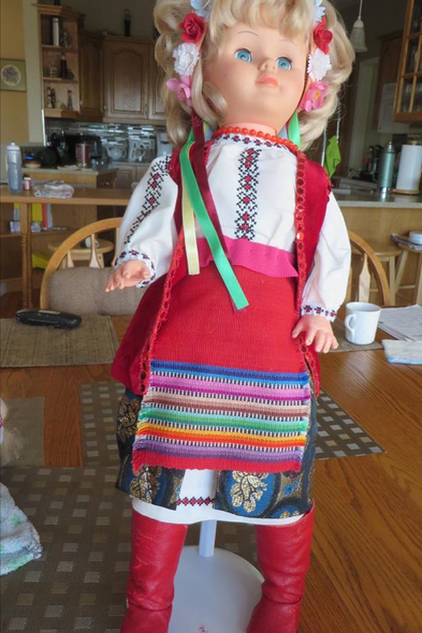Ukranian costumed dolls