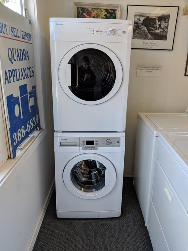 Bloomberg front loading washer & dryer