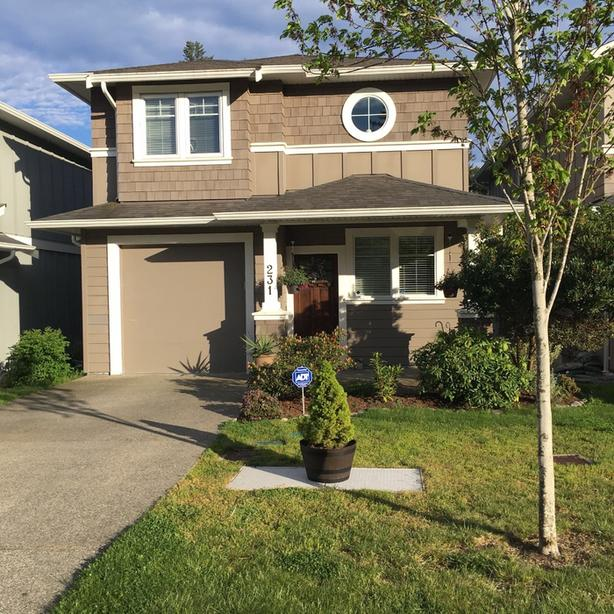 Quiet 2012 2300 sq. ft home with 3 beds and 2.5 bath.